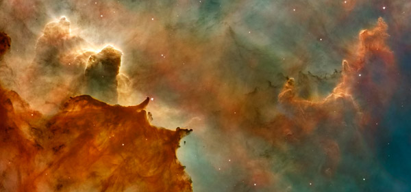 Hubble Space Telescope - Carina Nebula Details Great Clouds